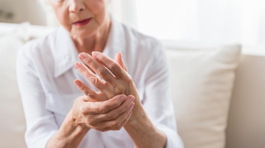 Fájnak az ízületei? Kopás vagy ízületi gyulladás lehet