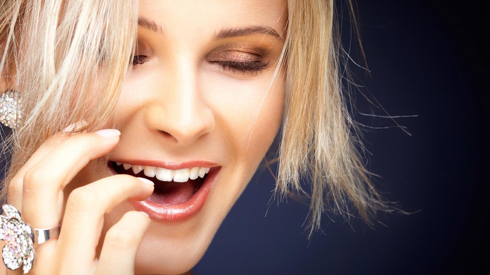 hogyan kell kezelni a bepattanó ízületet