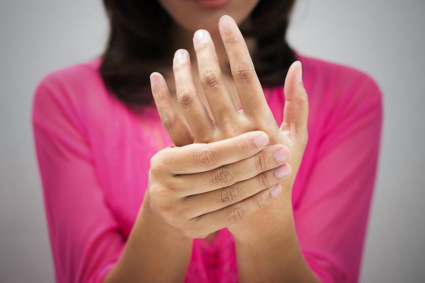 zsibbadt ujjak és fájó ízületek