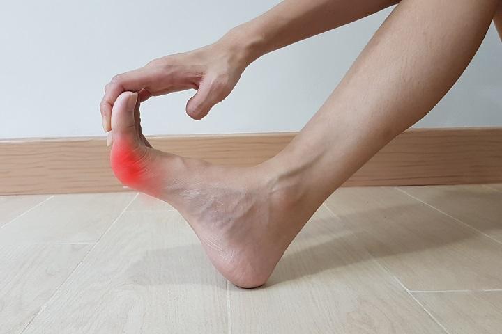 hogyan lehet eltávolítani a gyulladást a láb ízületéről