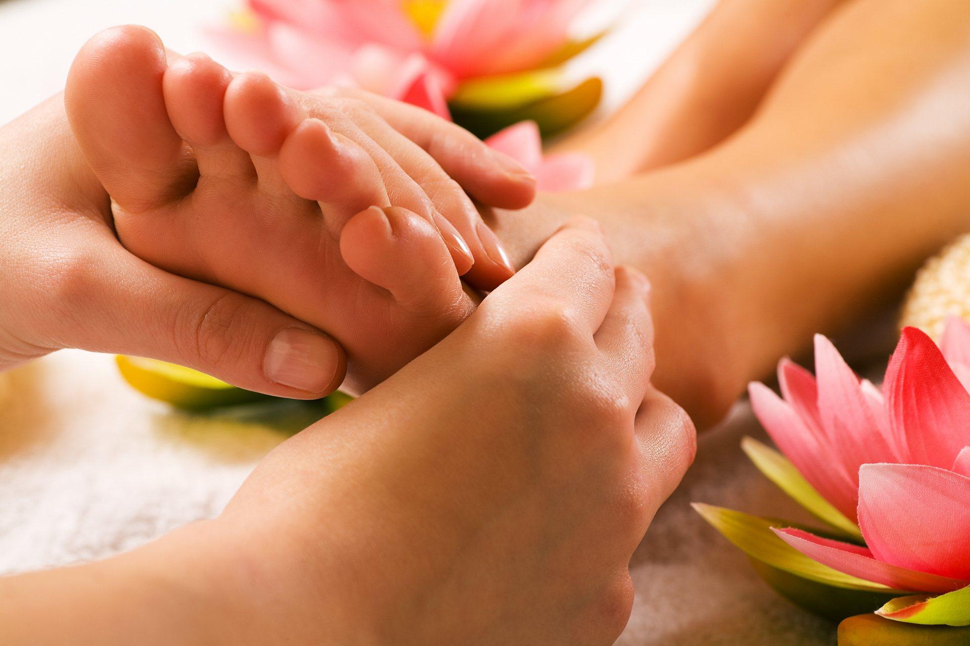 masszázst végezhet ízületi fájdalmak esetén
