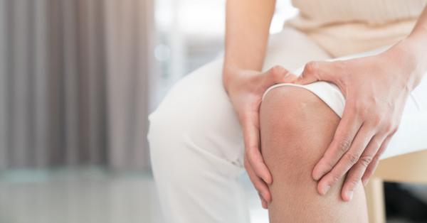 szimmetrikus fájdalom kis ízületekben térdízületi fájdalomcsillapító kezelés