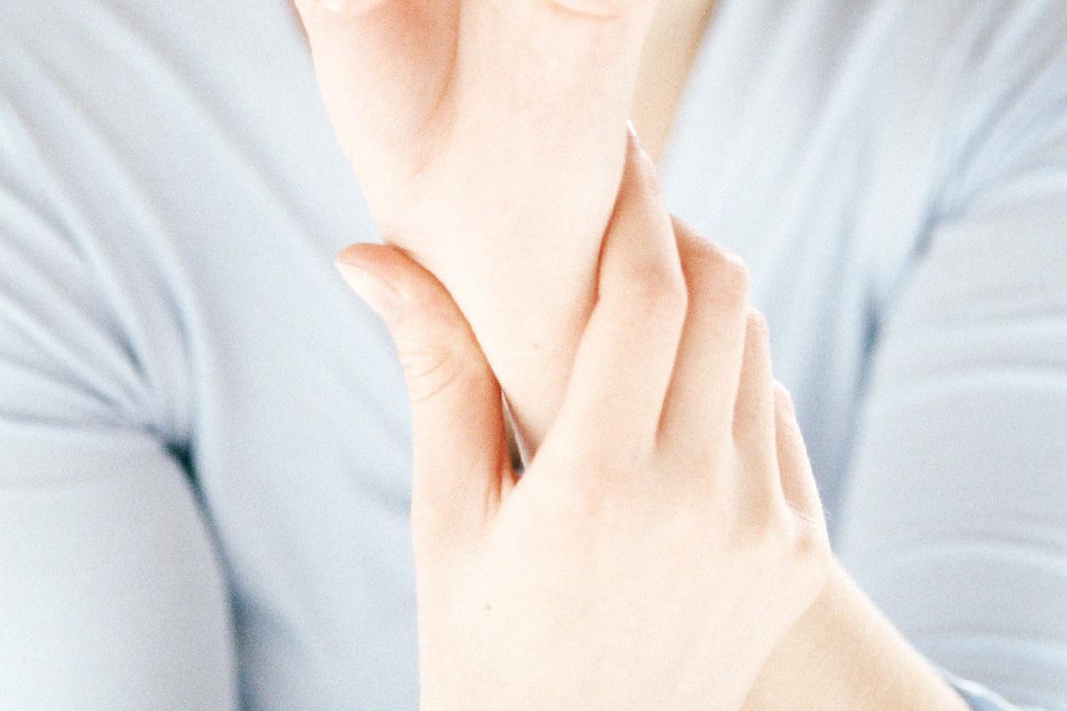 a kéz kenőcsei fájnak
